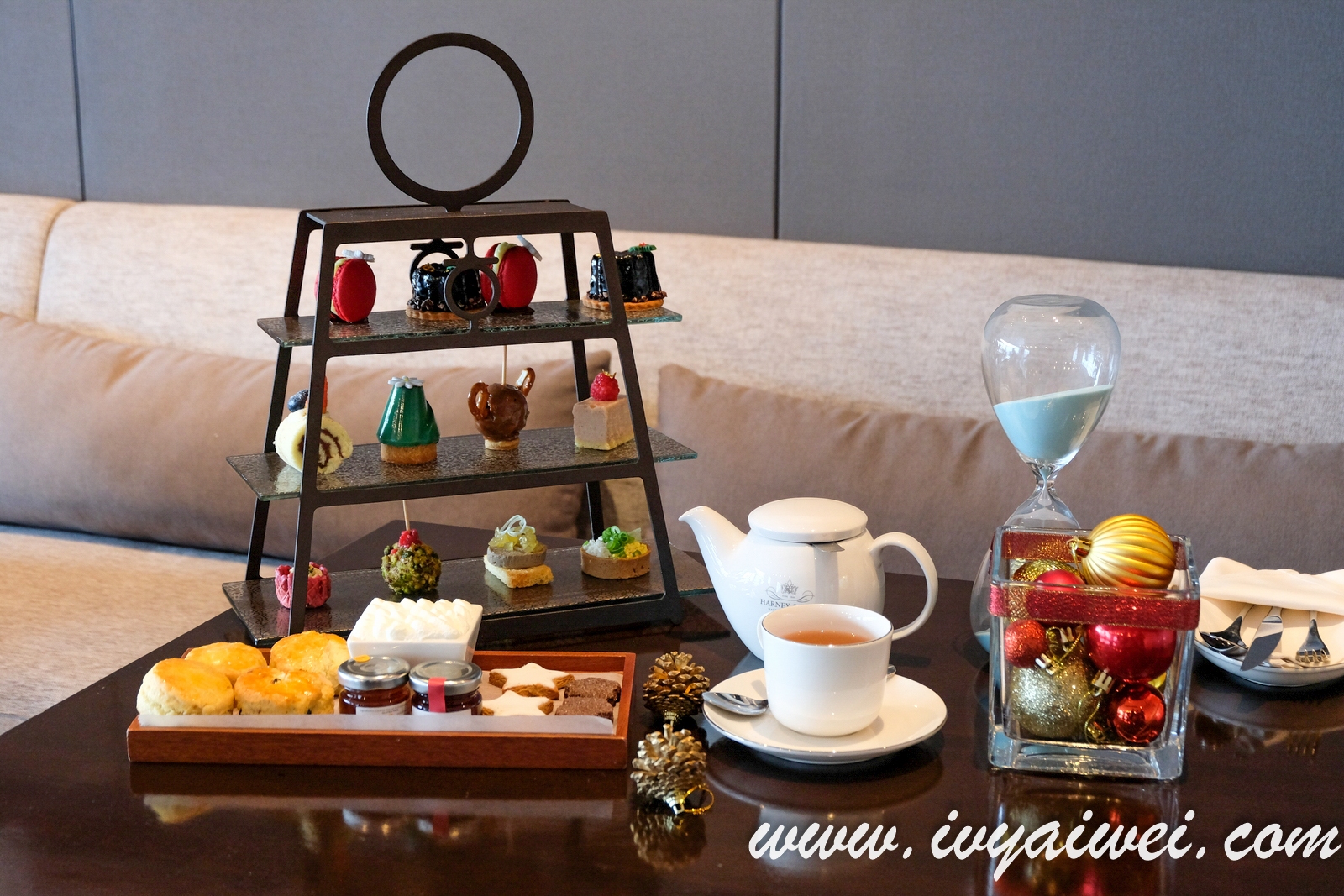 Festive Afternoon Tea: 2 Pax at RM 99 nett @ New World Petaling Jaya Hotel